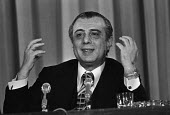 Spyros Kyprianou 1978 London. President of Cyprus speaking at a press conference during a visit to London - Martin Mayer - 23-06-1978