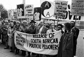 Actors Anti-Apartheid Movement protest 1976 South Africa House, Trafalgar Square, Central London, demanding the release of political prisoners. Sheila Hancock, Albert Finney, Robert Morley, Kenneth Wi... - Peter Arkell - 13-10-1976