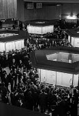 Trading floor of the new Stock Exchange 1974 City of London - Peter Arkell - 16-01-1974