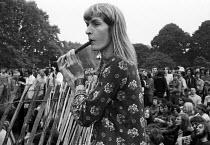 Hippies enjoying a free music festival, Hyde Park, London 1971 - Chris Davies - 03-08-1971