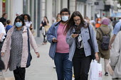 Shoppers, Oxford Street, London. Easing of Covid-19 lockdown restrictions. - Philip Wolmuth - 18-08-2020