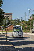 Detroit, USA. Free self driving shuttle bus which takes elderly and low-income residents of two housing developments to the Detroit Medical Center. Built by Navya, a French company, the shuttle carrie... - Jim West - 20-08-2020