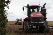 Tracked tractor Case IH Quadtrac 600 ploughing, Warwickshire - John Harris - 07-09-2020