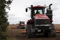 Tracked tractor Case IH Quadtrac 600 ploughing, Warwickshire - John Harris - 07-09-2020