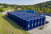 Pennsylvania, USA. Vertical hydraulic fracturing tanks used to store water and other materials for hydraulic fracturing in rural southwest Pennsylvania where fracking is widespread. - Jim West - 14-09-2017