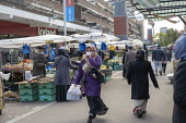 Shoppers, Watney Market, Stepney, East London. - Jess Hurd - 15-10-2020