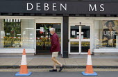 Closed Debenhams, sign has missing letters, Stratford Upon Avon, Warwickshire - John Harris - 28-07-2020