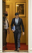 Rishi Sunak Spending Review, leaving No 11 Downing Street, Westminster, London - Jess Hurd - 25-11-2020