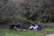 London Tier 4 Restrictions. Socialising outdoors, Putney Common, London - Duncan Phillips - 20-12-2020