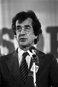 Bill Rodgers speaking, SDP conference London 1981 - Martin Mayer - 09-10-1981