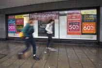 Debenhams store closing, Broadmead, Bristol. - Paul Box - 12-01-2021