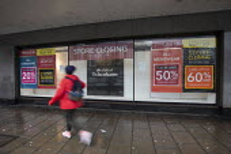Corner Cafe closed during covid 19, Broadmead, Bristol. - Paul Box - 12-01-2021