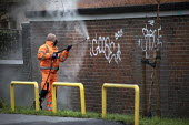Council worker removing graffiti, Bristol - Paul Box - 20-01-2021