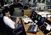 Foreign exchange dealer on the phone, Citibank, The City of London 1986 - Martin Mayer - 01-10-1986