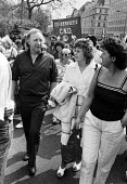 Arthur Scargill and wife Anne, CND march, London 1987 - Peter Arkell - 31-03-1987