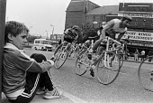 Young boy watching a cycle race, Woolwich, London 1987 - Peter Arkell - 30-06-1987