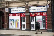 Closed Bureaux De Changes during Covid pandemic lockdown, Central London. - Jess Hurd - 03-03-2021
