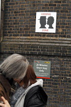 17-02-2009 - Warrington Bank Quay railway station, UK, has introduced a kissing zone, and a no kissing zone, the latter to avoid obstructions at the taxi rank. Here, two relatives kiss goodbye before a journey. © Paul Herrmann