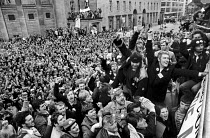 19-04-1984 - Striking miners jubilation at 1984 NUM SDC decision to continue the strike against pit closures Sheffield, Miners strike, Yorkshire © John Harris