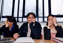 23-01-1998 - Students at the Womens Academy Higher Education and sixth form centre Birmingham © John Harris