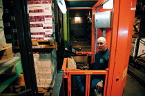 16-12-1999 - Huge warehouse storage of books at Oxford University Press OUP distribution centre Corby © John Harris