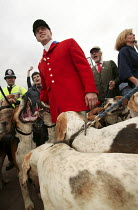 28-09-2004 - Countryside Alliance pro hunting rally with hound dogs. Labour Party Conference, Brighton. © Jess Hurd