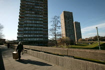 18-03-2005 - 1970's Crossways Estate which is due for demolition. Tower Hamlets, East London. © Jess Hurd