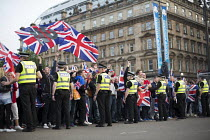 19-09-2014 - No Campaign, far right nationalists, taunt Yes Campaign in George Square the day after polling day in the Scottish Independence Referendum. Glasgow, Scotland © Jess Hurd