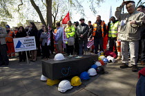 29-04-2015 - International Workers Memorial Day rally beside the Building Worker statue, Tower Hill, London. © Jess Hurd