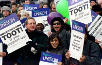 22-11-1999 - Wandsworth Unison union members strike against Tory council sickness scheme, which means workers pay back, or buy back time they are sick. Dispute also over management planning a cut in annual leave © Jess Hurd