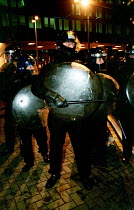 30-11-1999 - Riot police at Euston November 30th (N30). Anti World Trade Organisation (WTO), in solidarity with Seattle summit demonstraters and in protest against tube privatisation and capitalism © Jess Hurd