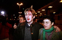 30-11-1999 - Injured protesters after riot police charge protesters, Euston November 30th (N30). Anti World Trade Organisation (WTO), in solidarity with Seattle summit demonstraters and in protest against tube pri... © Jess Hurd