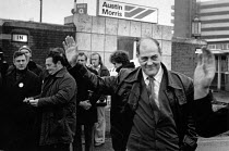 22-11-1979 - Derek Robinson on the picket line, during the strike against his sacking at the Austin Morris British Leyland Longbridge plant. © John Sturrock