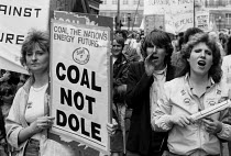 12-05-1984 - Womens National protest, Miners Strike, 1984, Barnsley, Yorkshire. Women from Staffordshire © John Smith