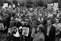 23-10-1970 - Council workers strike 1970. Support from other workers for the pay strike in Swindon. © Martin Mayer