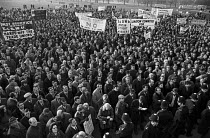 08-12-1970 - Rally in London during the national one-day strike called by the TUC against the Industrial Relations Act © NLA