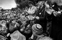 28-05-1984 - Arthur Scargill, mass picket, Orgreave Coke Works 1984 speaking to striking miners at first mass picket of the BSC Orgreave coking plant, South Yorkshire © Peter Arkell