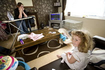 22-05-2009 - A Young family with a low income at their rented home in Weston-super-Mare. © Paul Box