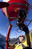 26-01-2011 - Hot air balloon pilot of Rotork balloon at the Chateaux dOex Balloon Festival, Switzerland. © Paul Box
