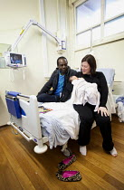 22-02-2012 - A Mother and father with their new born son, Southmead hospital, Bristol. © Paul Box