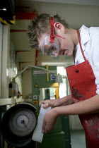 10-05-2006 - Pupils in an craft design and technology lesson, Clevedon community school. © Paul Box