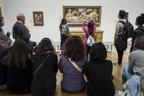 08-19-2014 - Visitors to the National Gallery in London, following the lifting of restrictions on the use of smartphones and cameras. © Philip Wolmuth