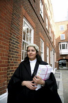 21-12-2006 - Poonam Bhari, barrister specialising in family law in the street en route to/from court, London © Joanne O'Brien