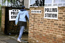 01-05-2008 - Voter going into a North London polling station on 1. May 2008 for London Mayoral & Assembley elections. The turnout was nearly 48, a fifth higher than the previous mayoral election. © Joanne O'Brien