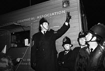 09-11-1983 - Stockport Messenger Police officers at a mass picket in support of NGA members on strike in a dispute with Eddie Shahs Messenger Newspaper Group over his use of non-union scab workers to typeset MNG p... © Stefano Cagnoni