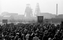 08-03-1985 - 1985 Armthorpe NUM returning to work at the end of the strike, Yorkshire. Miners Strike © John Sturrock
