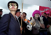 11-09-2001 - Protest against DSEI Arms Fair, London Docklands, UK © Paul Mattsson