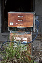 22-04-2016 - Eddy, Florida, USA, derelict Chevron petrol station and pumps © Jim West