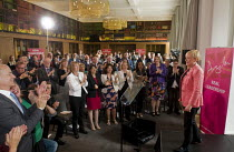 11-07-2016 - Angela Eagle Labour Party launching her leadership bid. Prominent Labour figures, including Stephen Kinnock (L), and Harriet Harman in white jacket, applauding at her press conference launching her bi... © Stefano Cagnoni