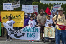 11-07-2016 - Burlington, USA Migrant farm workers and supporters march to Sakuma Brothers Farms, a large berry grower. After three years of strikes and boycotting of Sakuma Berries, Driscolls and Haagen Dasz, the... © David Bacon